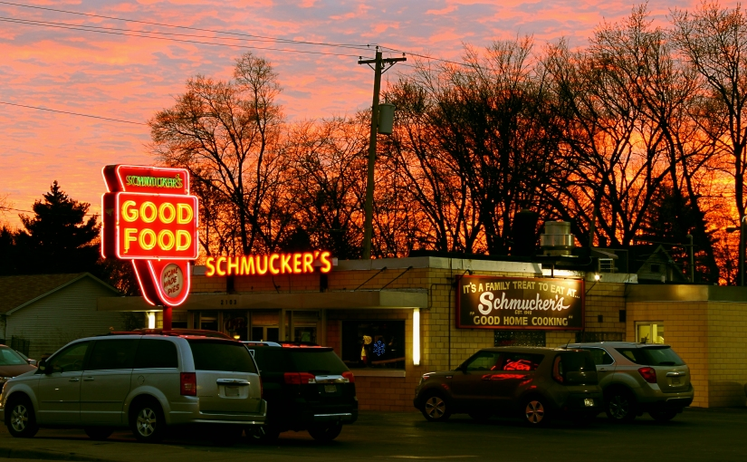 Photography #1 : Schmucker's Diner