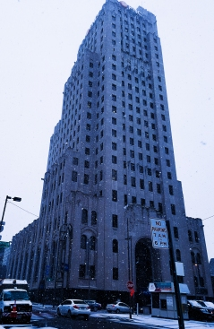 """""""Freeze all Assets"""" The PNC Building on a cold lunch hour. December 13, 2017. Brian Purdue"""